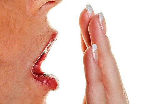 Ce trebuie sa stii despre respiratia urat mirositoare